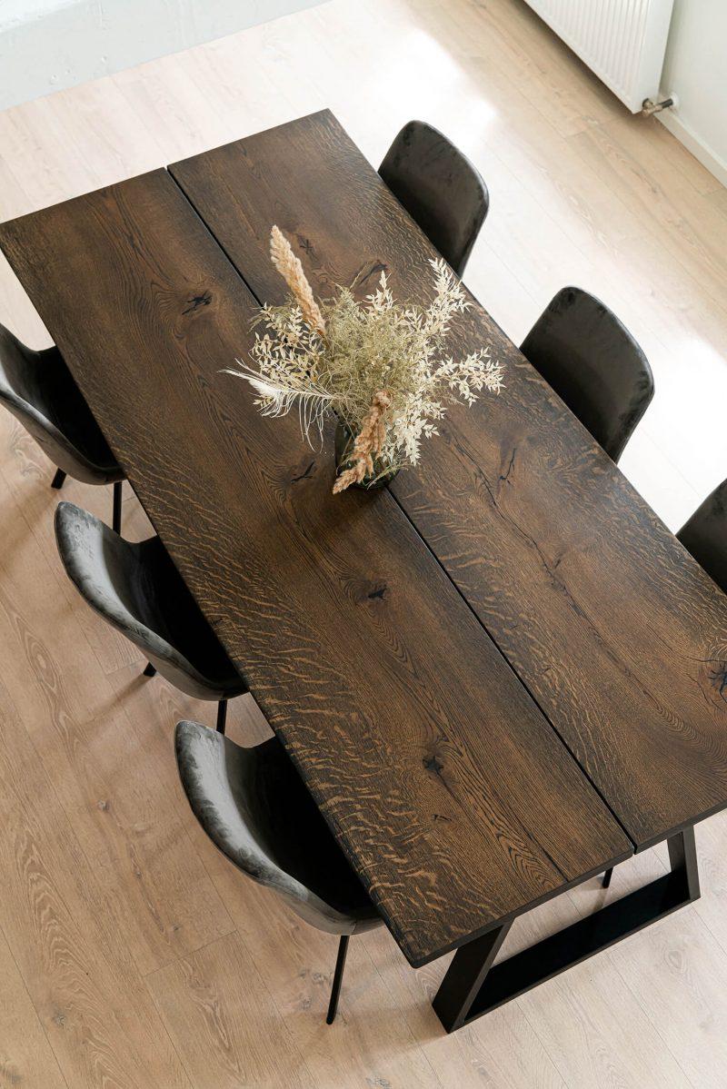 Ravna rustik plankebord i mørk eg